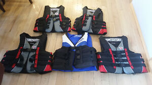 5 life jackets as new