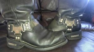 Leather Victory motorcycle men's boots and shirts and helmet