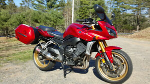 2008 Yamaha Fz1 *LOW MILAGE*SET FOR TOURING*TONS OF AFTERMARKET