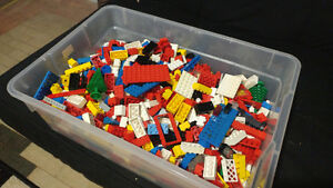 Tub of Vintage Assorted Lego Bricks and Pieces