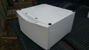 Washer/dryer pedestal - universal size fits all