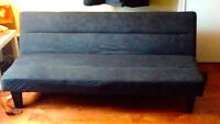 Black futon couch / bed