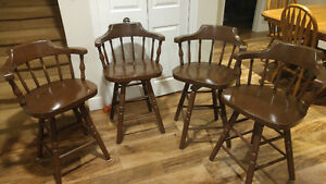 Set of 4 Oak Bar Stool Chairs!