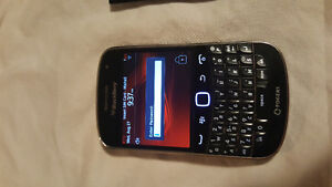 MINT BlackBerry Bold 9900