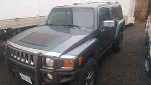 2006 Hummer H3 heated leather seats nav. Possible trade + $