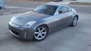 Nissan 350Z Grand Touring Performance Sports Car
