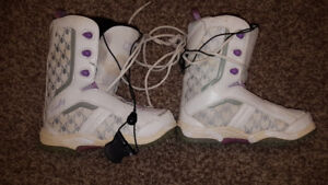 Size 6 women's snowboard boots