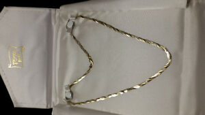 2 tone of gold necklace/chaine or blanc et jaune