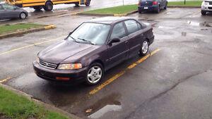 2000 Acura EL Berline négociable