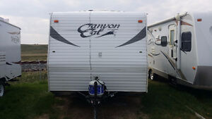 RV for Rent: 15' Camper/Trailer, sleeps 4, dry weight 2773 lbs