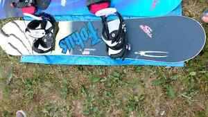 Planche a neige et bottes / Snowboard and boots Gatineau Ottawa / Gatineau Area image 2