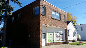 Commercial space & 3 bedroom apartment -Private Sale
