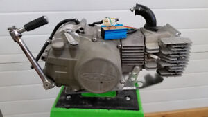 SDG 3valve motor and misc pitbike parts