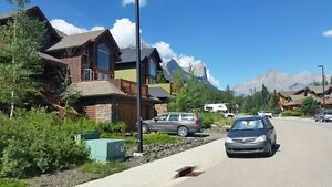 Beautiful Three Sisters 1 Bedroom Suite Available September 1st