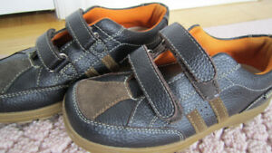 KENNETH COLE REACTION boys brown leather shoes size 2 youth