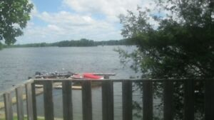 Available now 2 bdr waterfront cottage Sydenham Lake