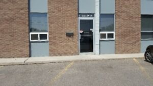 3-Bay commercial condo to Lease 1404-44 Ave NE
