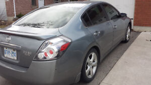 2007 Nissan Altima 3.5 SE Sedan...6 Speed