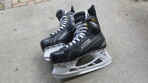 Bauer Supreme Size 7.5 ( Virtually New )