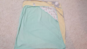 Carter's Baby Hooded Towels (2)