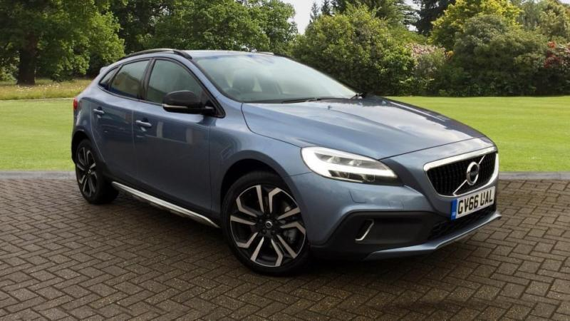 2017 volvo v40 cross country d3 150hp euro 6 pro nav autom automatic diesel hat in horley. Black Bedroom Furniture Sets. Home Design Ideas