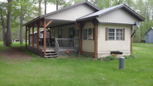LAKEFRONT COTTAGE (2BDRM/1BATH))still available last 2 wks Aug