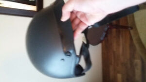 Two motorcycle helmets. Excellent condition Windsor Region Ontario image 8