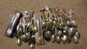 COLLECTION OF 50+ VINTAGE SOUVENIR / COLLECTOR SPOONS