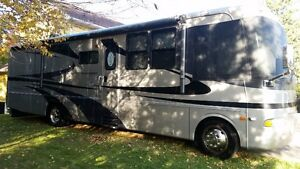 2005 Motorhome - Excellent Condition