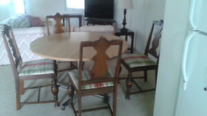 Table and Chairs -- Free Delivery within Guelph
