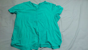 Women's T-Shirt and Camisole - Size 3X Kitchener / Waterloo Kitchener Area image 3