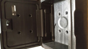 SENTRY SMALL SAFE NEW