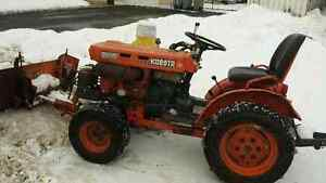 WANTED... Older compact or small tractor ie Kubota Massey 1010