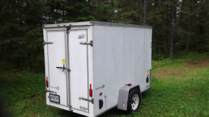 REMORQUE FERMEE / ENCLOSED TRAILER
