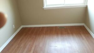 Nicely decorated 2BR TOWNHSE w priv deck - end unit