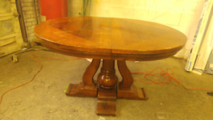Mid century Italian dining table with