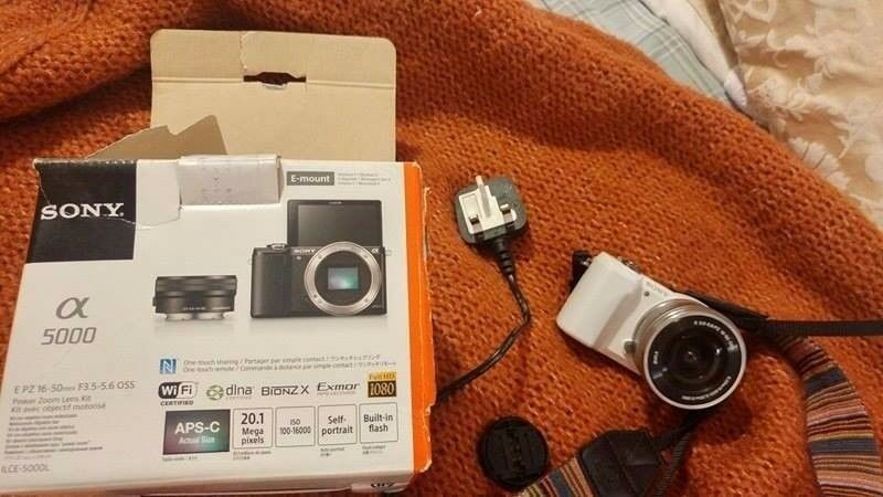 Sony Alpha A5000 20.1MP Digital Camera - WHITE (Kit w/ 16-50mm Lens)