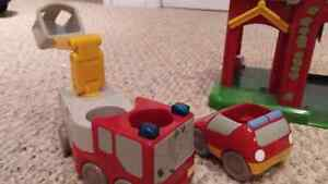 Toys - Fire Station and Vehicles Cambridge Kitchener Area image 2
