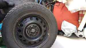 185 65 R14 pneus hiver + rims winter goodyear tire + rims