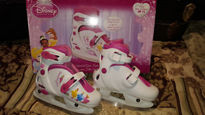 Girls adjustable skates hardly used