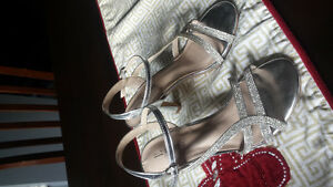 Amazing shoes for a special occasion Size 6!!