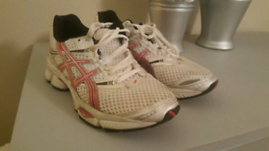 Womens Asics running shoes size 8