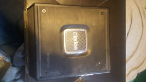 Clarion amplifier for speakers.