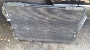 Honda Pilot Radiator With The Fans and Condenser