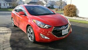 2013 Elantra SE Coupe (2 door) Mint - 19200kms Must be seen