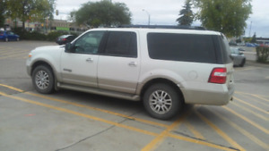 2008 Ford Expedition.  MAX runs excellent