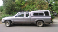 Toyota pick up for sale. (standard)