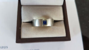HANDCRAFTED Men's 19 kt White Gold Ring w/ 0.41 ct Blue Sapphire