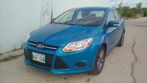 Very Nice 2013 Ford Focus SE Only 40km Fully Loaded Heated Seats