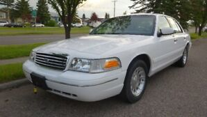 1998 Crown Victoria LX -beautiful reliable & safe